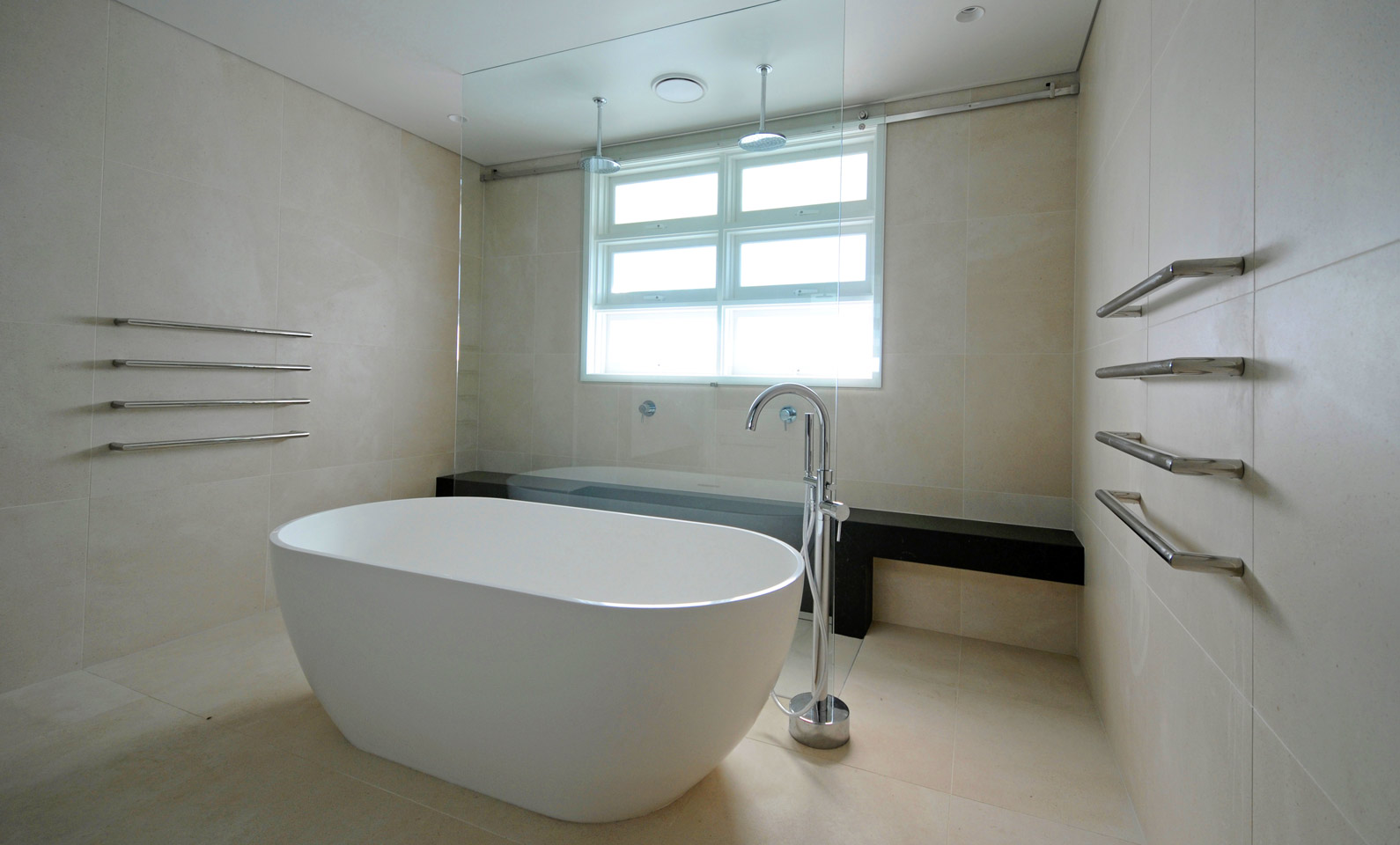 Hopetoun House Vaucluse - Completed Main Bathroom
